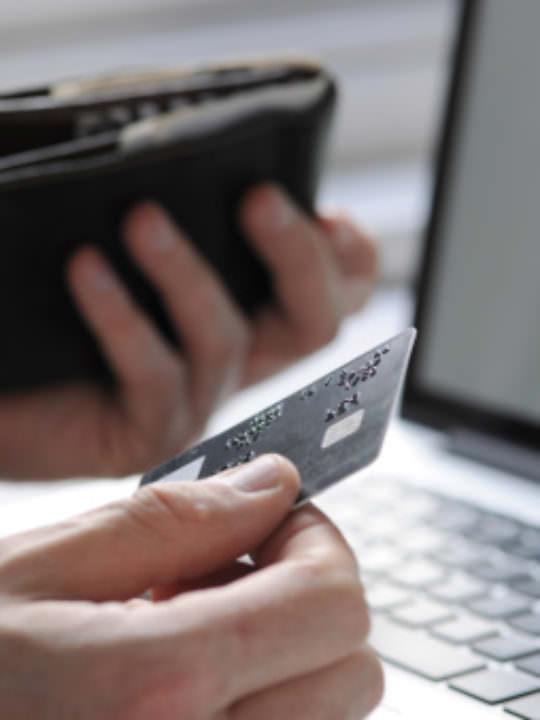Shopping on-line: la regina è l'elettronica