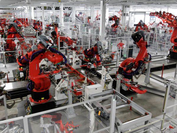 Work: the challenge of robot and AI